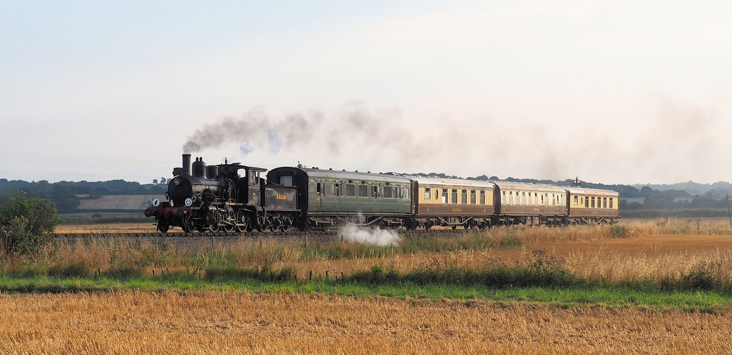 Kent & East Sussex Railway - Dining on The Wealden Pullman